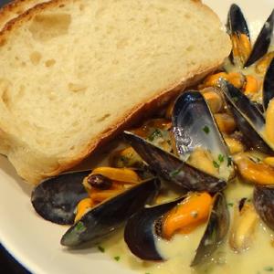 Dublin Mussels & French Bread